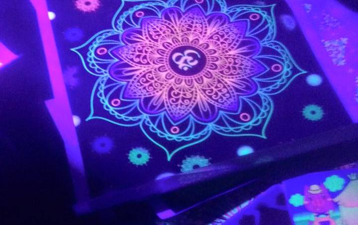 3D Blacklight pictures
